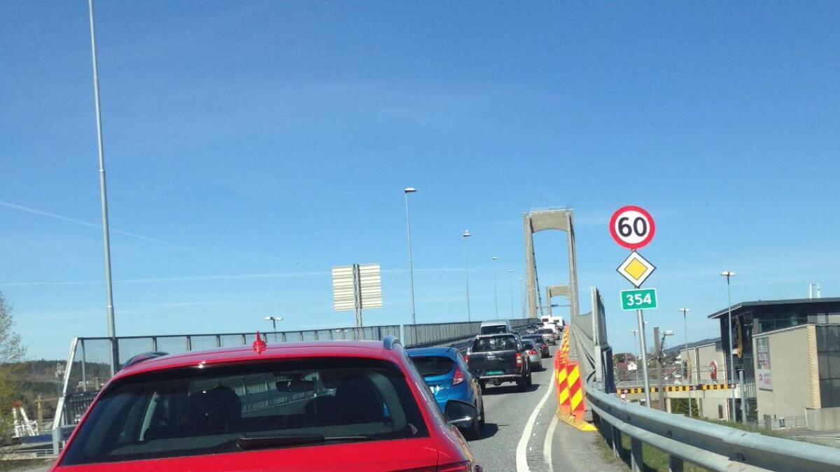Det blir tett trafikk over Breviksbrua i helgene.