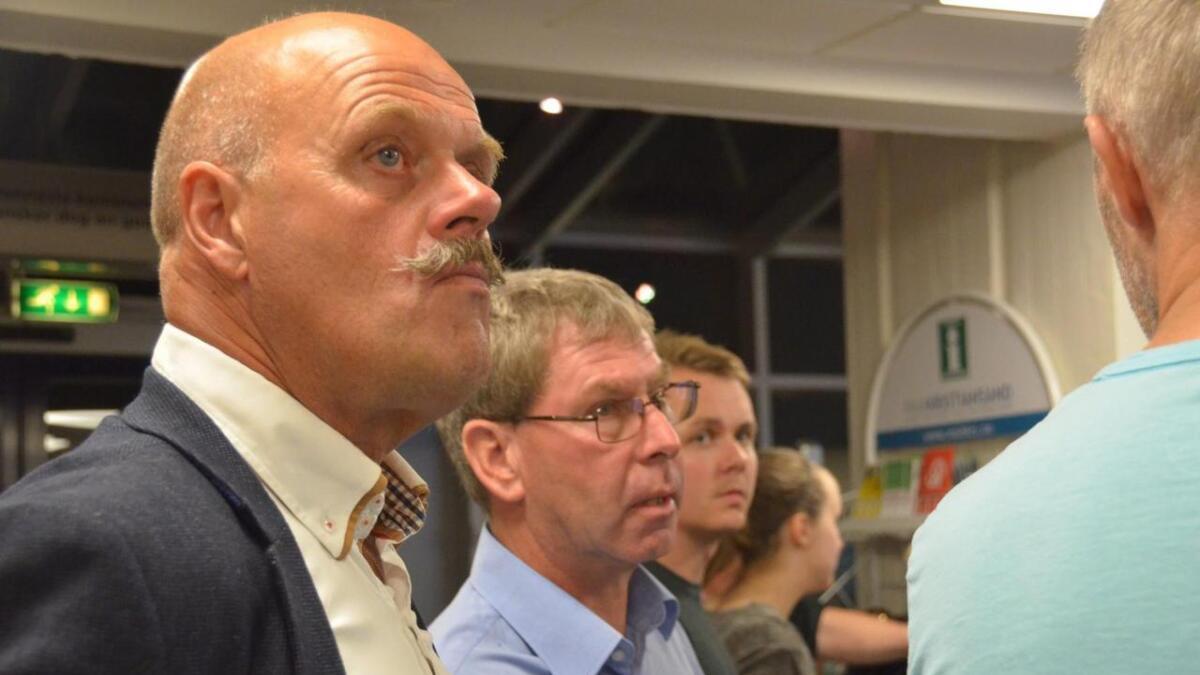Ordfører NIls Olav Larsen (KrF) fortsetter mest sannsynlig som ordfører i Vennesla. KrF forhandler nå med Senterpartiet, mens Arbeiderpartiet har sagt nei til samarbeid.