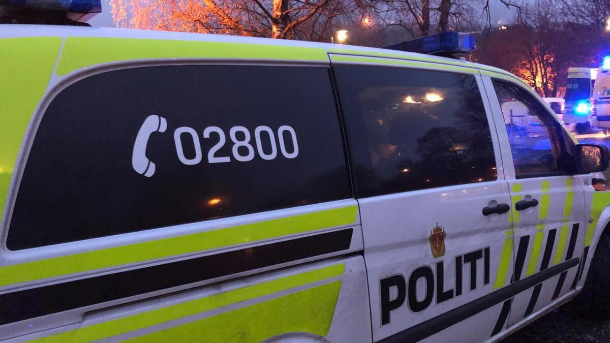 Politiet har avhøyrt fornærma og to vitne etter ein knivtrugsel på Vangen sundag.