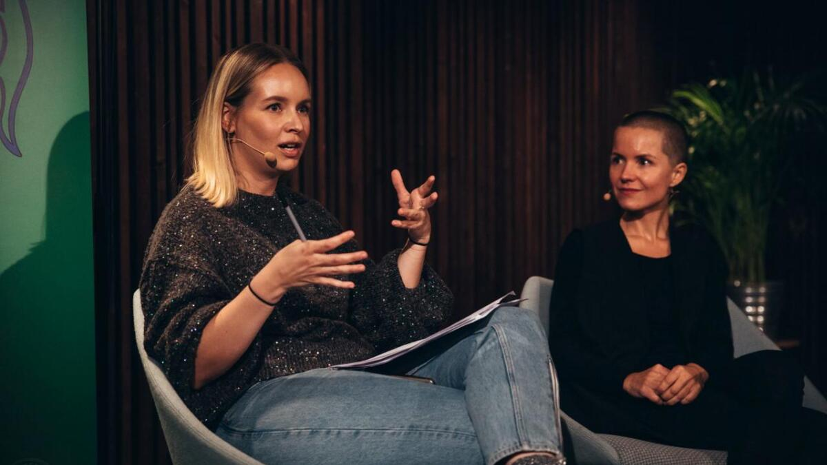 """Den kjente P3-profilen og rapperen Christine Dancke snakker åpenhjertig om egen angst i podkasten """"Noia"""" sammen med psykolog Carina Carl."""