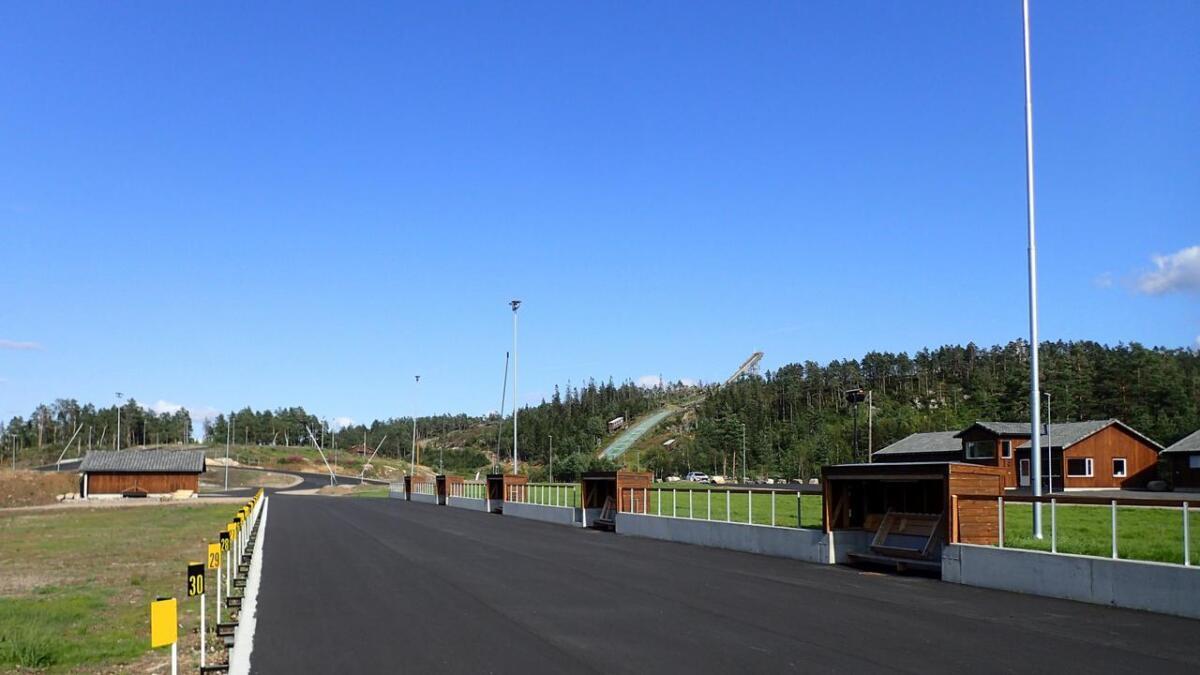 Søndag 25. august blir det offisiell åpning av Sandripheia Fritidspark nye skiskytteranlegg. Det skal feires med skyting og rulleskikonkurranser. – Ta med skisko og hjelm, så kan du forsøke anlegget selv, sier styreleder Eivind Drivenes.