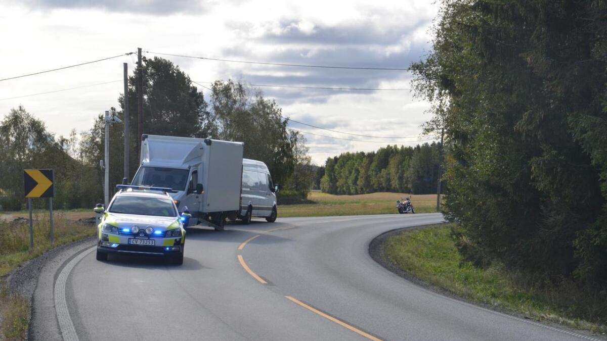 En liten lastebil og en motorsykkel var involvert i et trafikkuhell langs Seterstøavegen tirsdag formiddag