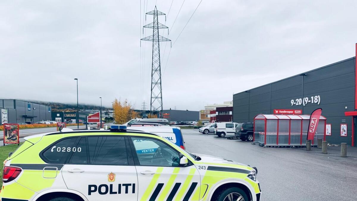 En mann i 40-årene er pågrepet for å ha utført vold mot en ansatt ved en bedrift i Kjørbekkdalen.