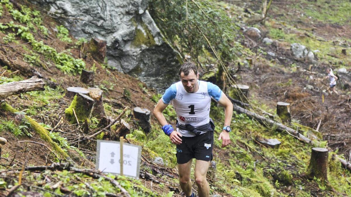 Stian Angermund-Vik spring for NM-gull i Ulvik laurdag. Her er han på veg mot siger i Klondyke opp i fjor.