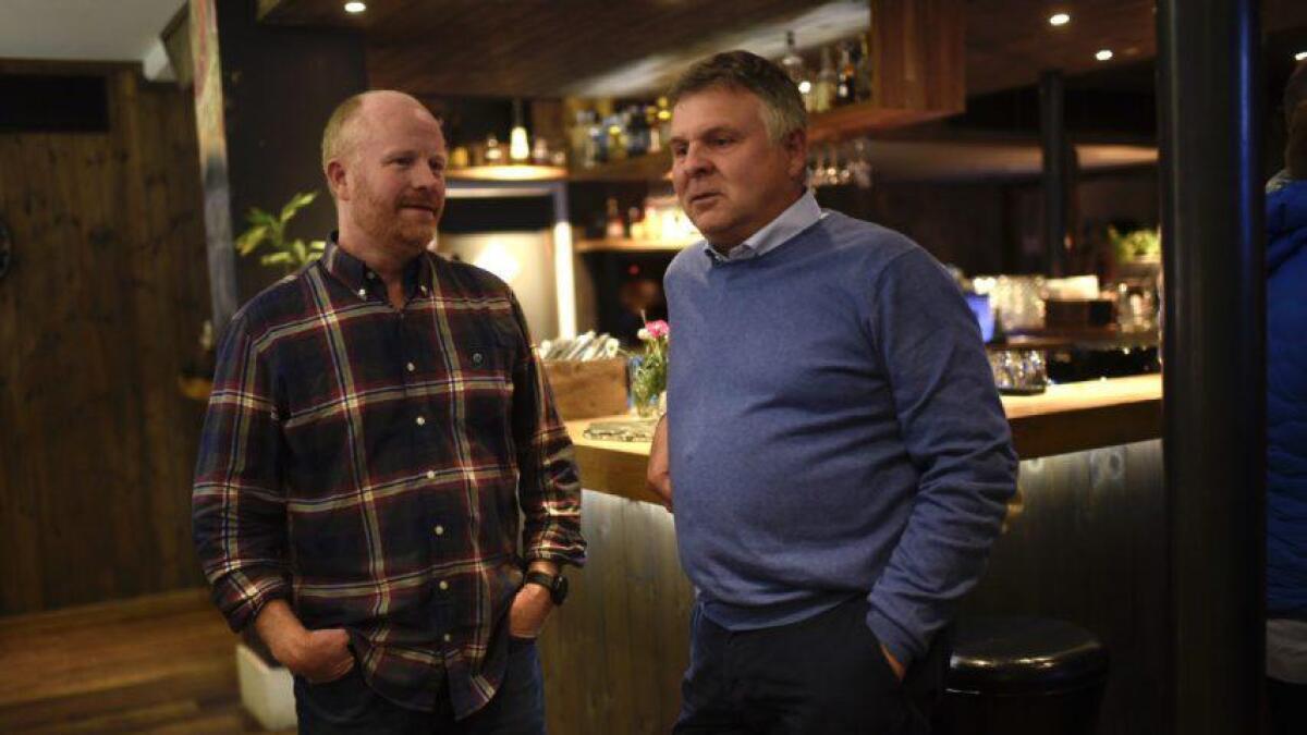 Pål Rørby (Sp) og Andreas Smith-Erichsen (H) hadde ein nervepirrande kveld måndag.