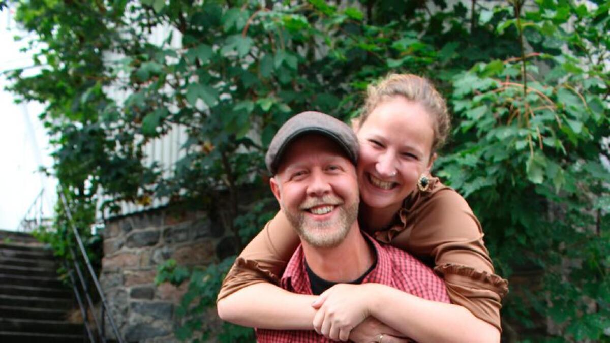 Syvert Holbek Feed ble i helgen valgt til ny leder av Kystkulturuka i Tvedestrand og han gleder seg stort til å ta fatt på oppgaven. Her er han fotografert sammen med kona Anette Grandahl.