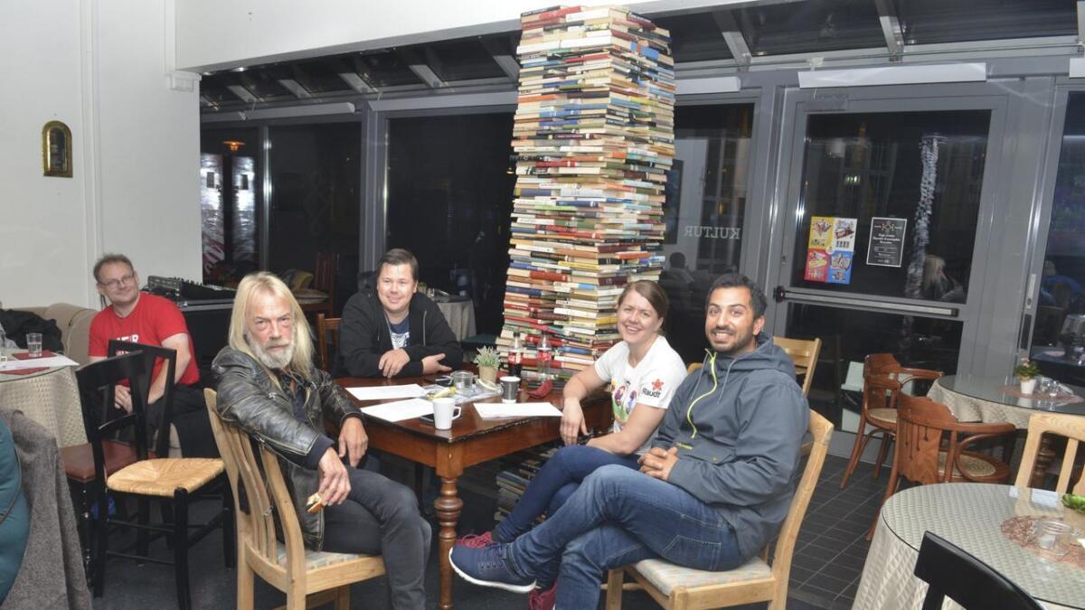 Leif Ottesen (styremedlem Rødt), Espen Mortensen, Hege-Charlotte Jacobsen (Rødt) og Ali Reza Nouri (SV).