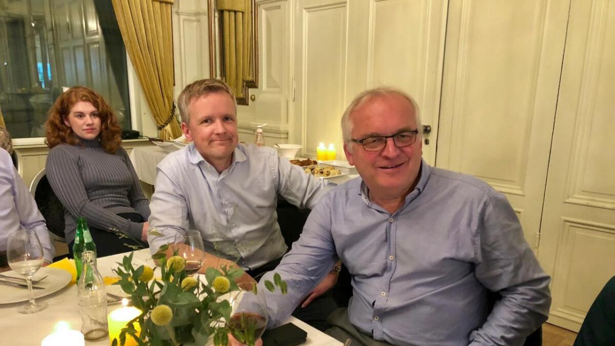Det er god stemning hos Kristiansands ordførerkandidat Jørgen Kristiansen og fylkesordførerkandidat Bjørn A. Ropstad (KrF) tross svake målinger.