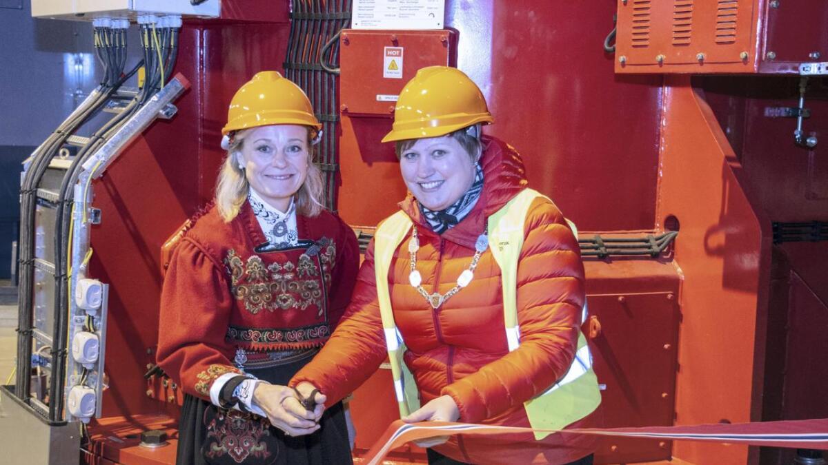 Styreleiar Jane Berit Solvi og Seljordordførar Beate Marie Dahl Eide stod for den offisielle opninga. Båe