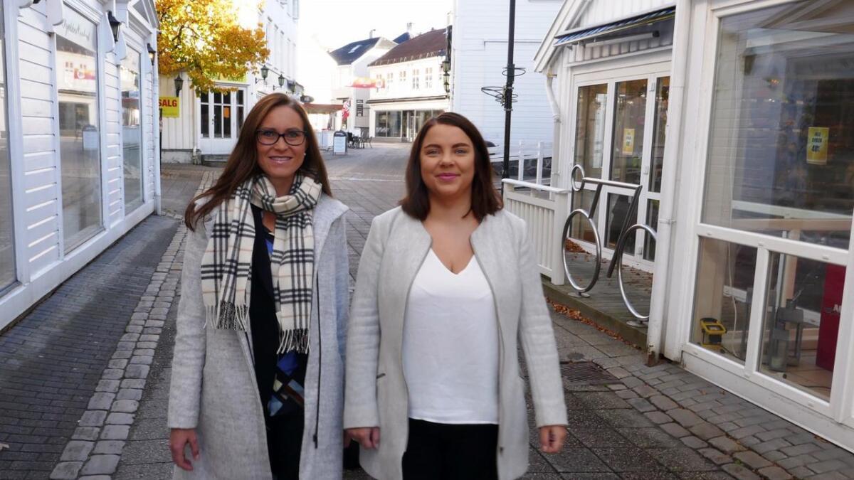 Beate Skretting (38) og Line Ostad (23) er Grimstad Høyres toppkandidater til neste kommunevalg.