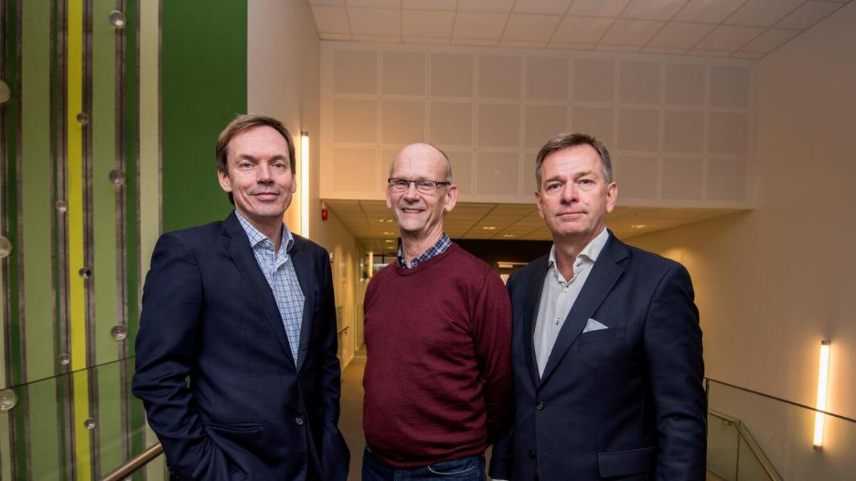 Tor Øystein Repstad, daglig leder i Agder Energi Venture, Øystein Hareide, daglig leder i Systempartner, og Jan Søgaard, administrerende direktør i Netsecurity.