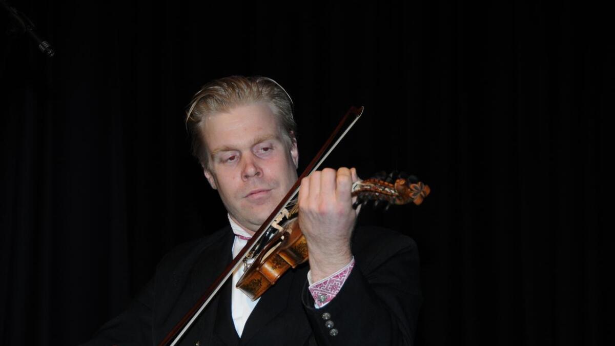 Bøheringen var fyrste utøvar. Han spela Skuldalsbruri.