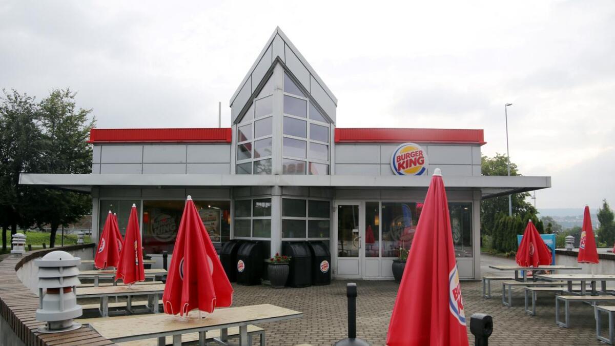 Mattilsynet har vært og tatt nødvendige prøver etter at fire jenter ble syke etter å ha spist ved Burger King på Myren 30. august.