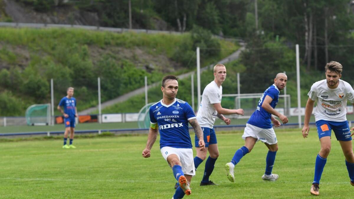 Wilhem Pepa og Trauma suser mot 4. divisjon etter en feilfri første halvdel av sesongen.