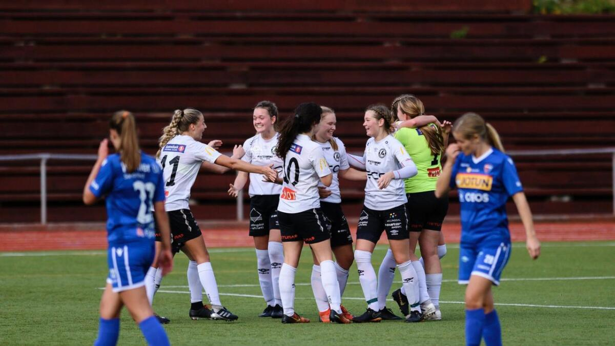 Jubelscener på Hallingmo då HFK-damene slo serieleiar Sandefjord.