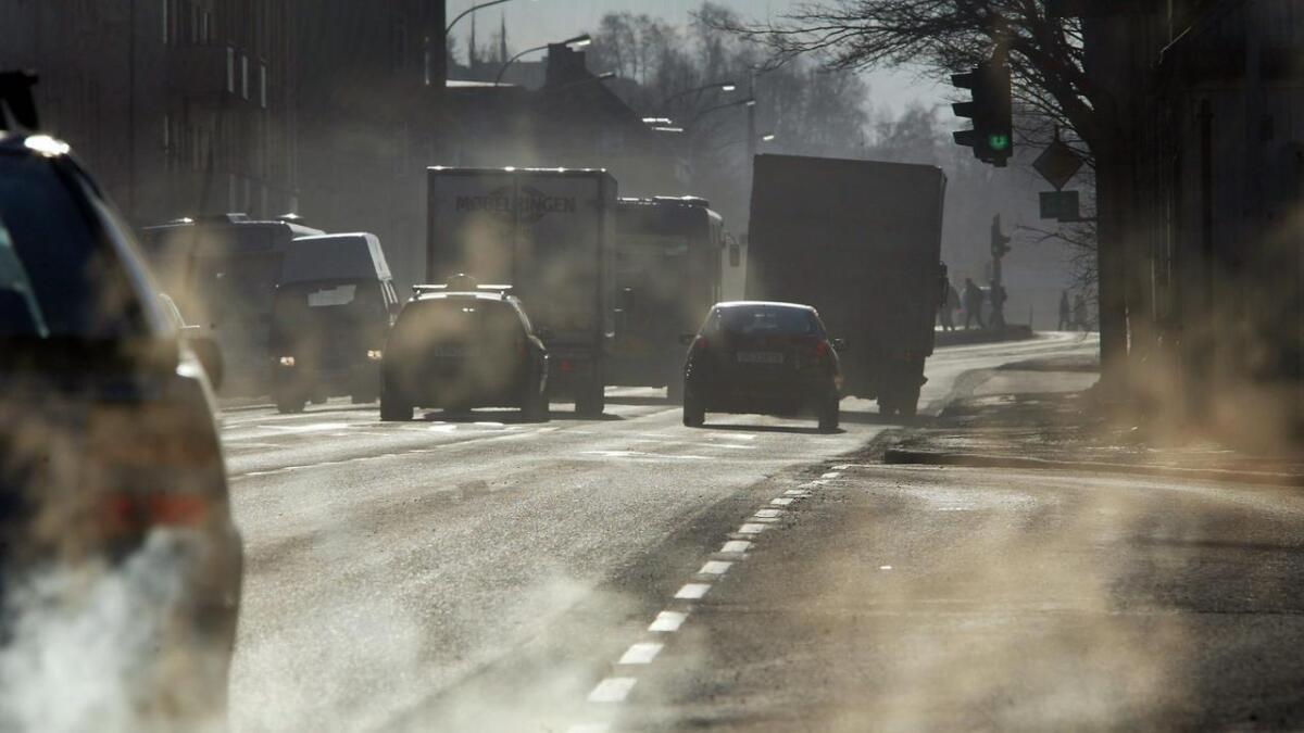 Transportøkonomisk institutt har regnet på utslipp i årene som kommer. Alle