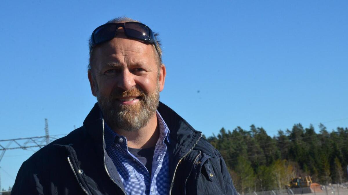 BULK-eier Peder Nærbø kan smile bredt, etter at det onsdag ble kjent at selskapet har inngått en kontrakt i milliardklassen med Amazon Web Services om bruk av den transatlantiske undersjøiske kabelen som skal gå fra USA til Norge og Sørlandet.