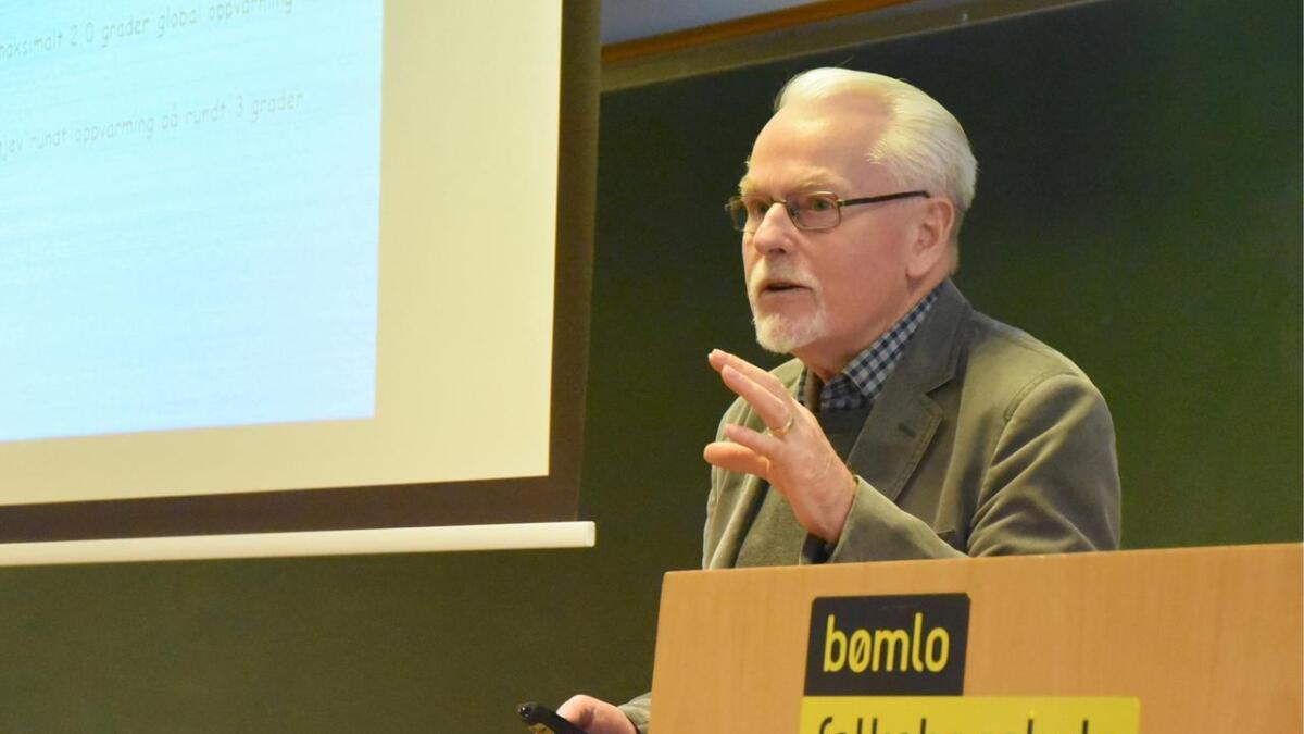 Professor Gunnar Kvåle på klimafestival på Bømlo, der han snakka om klimautfordringar som igjen vil gå ut over menneskehelsa. Høgare global temperatur vil føra til spreiing av farlege sjukdomar, tørke vil gje hungersnaud og matmangel, spådde han.