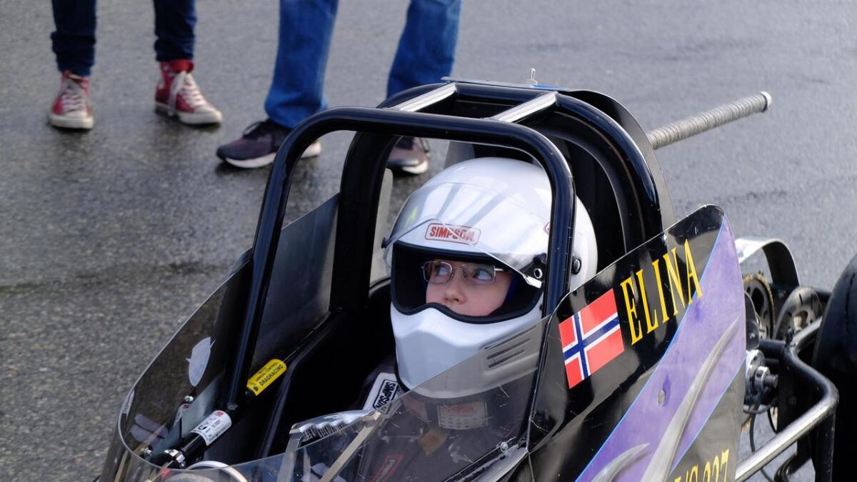 Elina Andersen vart dragrace-vinnar på Eikås i helga.
