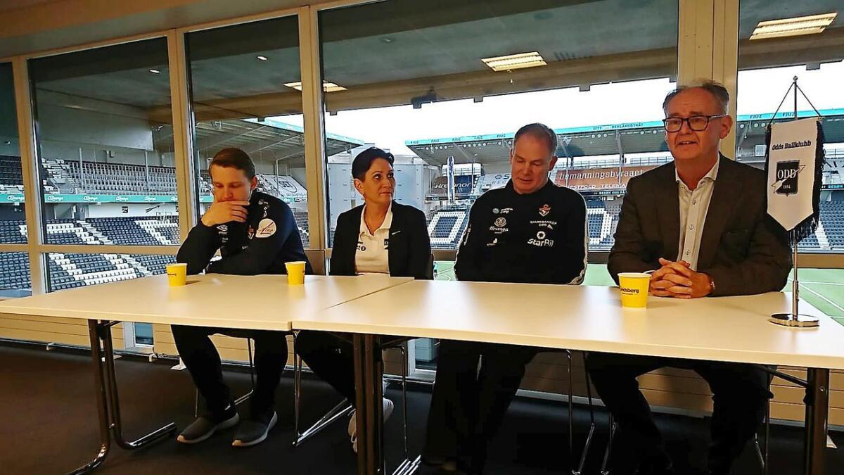 Gjerpen avholder pressekonferanse på Skagerak Arena. F.v. Marius Norli (daglig leder Gjerpen), Line Refsdal (arrangementssjef i Odd), Pål Oldrup Jensen (Gjerpen-trener) og Christen Knudsen (styreleder Gjerpen).