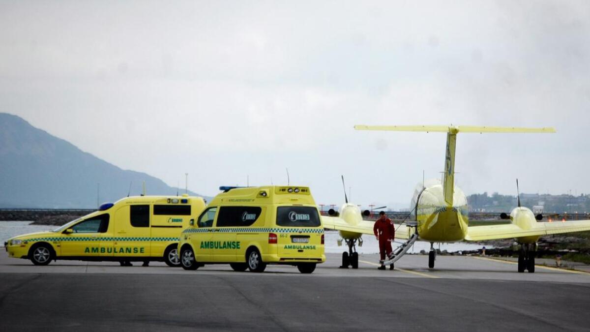 Ambulansefly på Stokmarknes lufthavn.