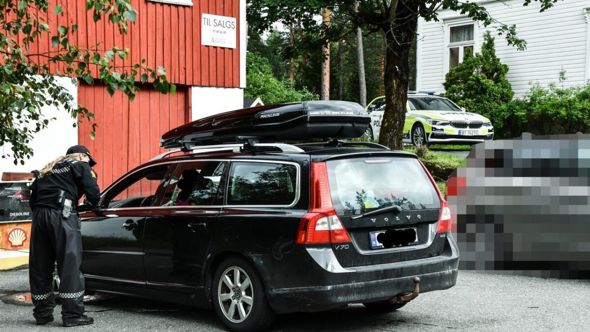 Volvoen på bildet ble tatt for fart, og ble ikke kjørt av mannen som mistet lappen for promille.