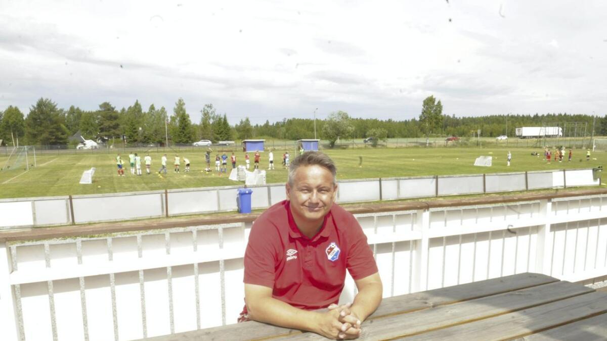 FUVO-leder Tom Hagen er i NFF-samtaler om et framtidig landslagssenter på Funnefoss stadion.