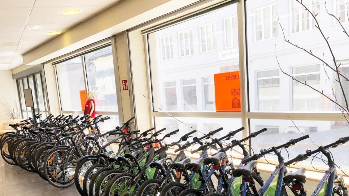 """En lang rekke gode sykler kan lånes gratis på Kirkens Bymisjons """"Skattkammeret"""" - på samme vilkår som du låner bøker på biblioteket. Men her er ordinær  utlåsntid ei uke."""