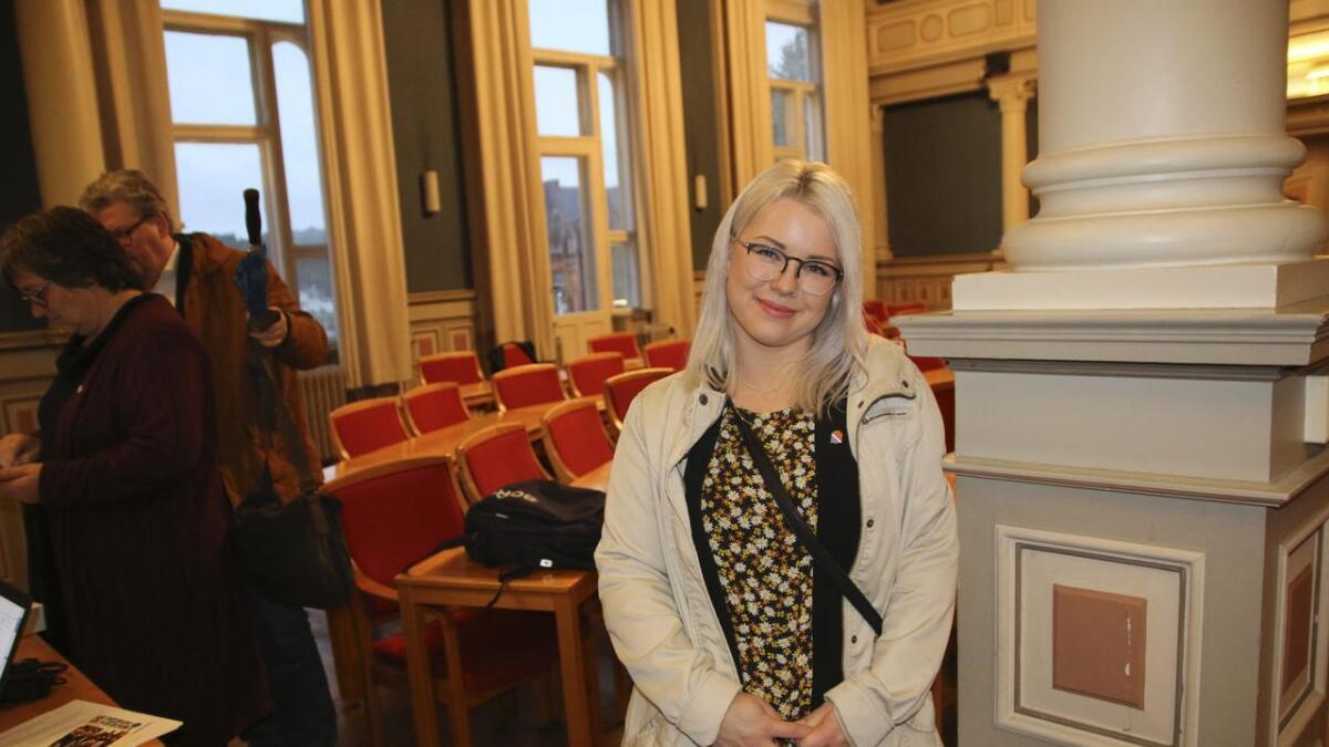 Det var en spent Mari Byberg Knudtsøn som debuterte som bystyrepolitiker. Hun lover å være synlig.