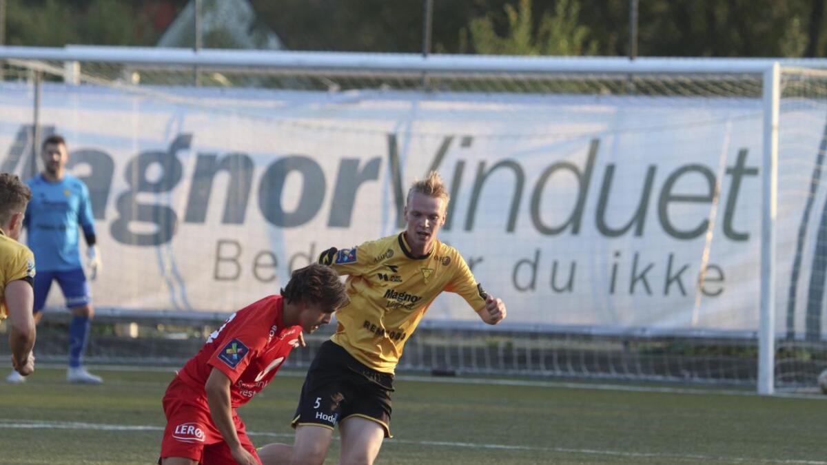 Andreas Støle-Hansen er ein av tre nye Os-spelarar sidan i vår. Dei tre får alle skryt av Os-trenar Endre Brenne.