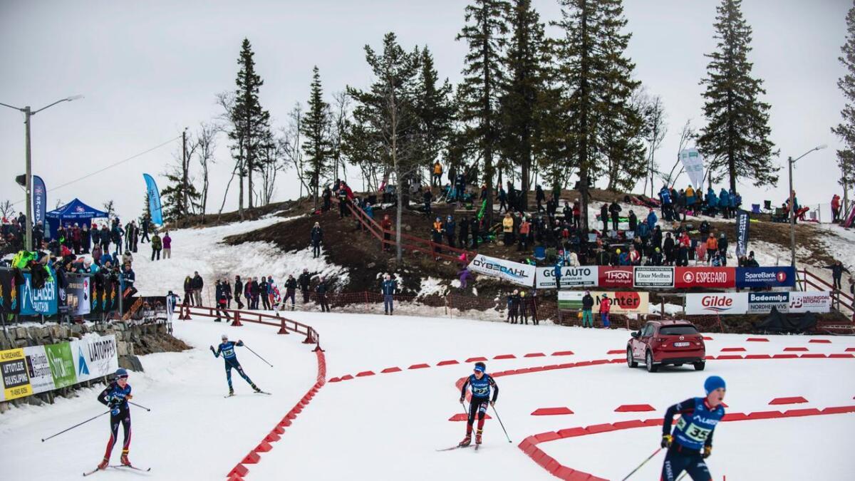 Fredag starta den 32. utgåva av Bama Liatoppen skiskyttarfestival med Larsen-stafett for ulike klassar i alderen 11–16 år.
