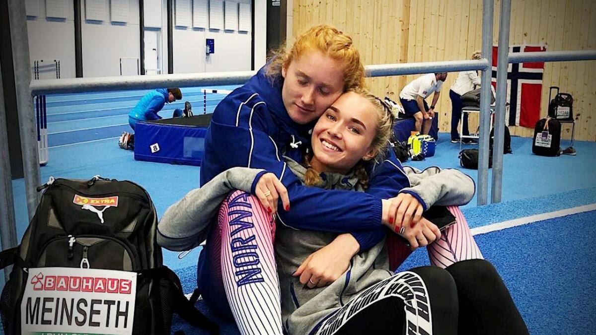 Ingvild Meinseth var skuffet etter 100 og 200 meteren i U23-EM. Hun fikk god trøst av lagvenninne i den norske troppen Ida Eikeng.