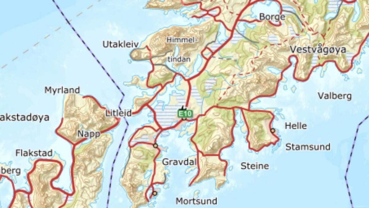 Offersøykammen (436 moh) ligger på Offersøya ved Nappstraumen og Litleid.
