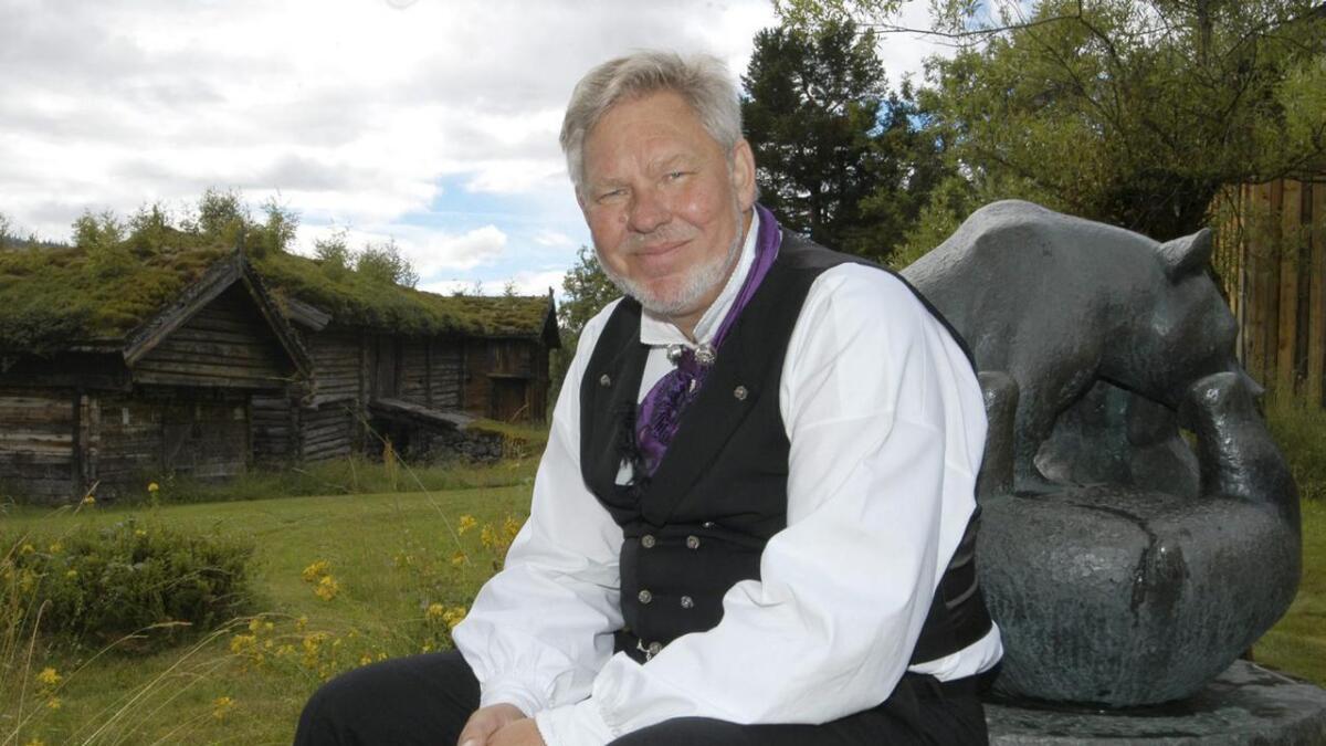 Arne T. Aabø i Lårdal kjøpte den fyrste notisboka da han var ti             år gamal, og har notert flittig gjennom livet.