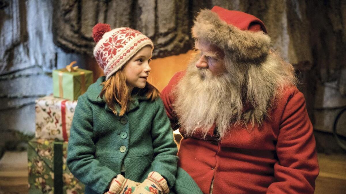 Anders Baasmo spiller julenissen i den nye norske julefilmen «Den vesle bygda som glømte at det var jul».