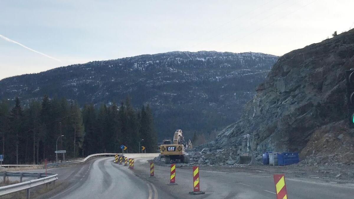 Det er vegarbeid i Vinjesvingen på E134 i Vinje.