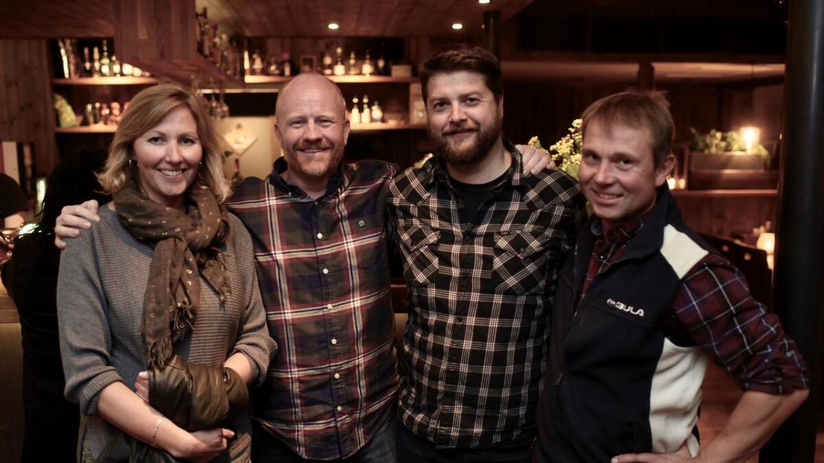 Norunn Rivedal (f.v.), Pål Rørby, Anders Snildal og Nils Erik Finset hadde ein god kveld på valvake måndag.