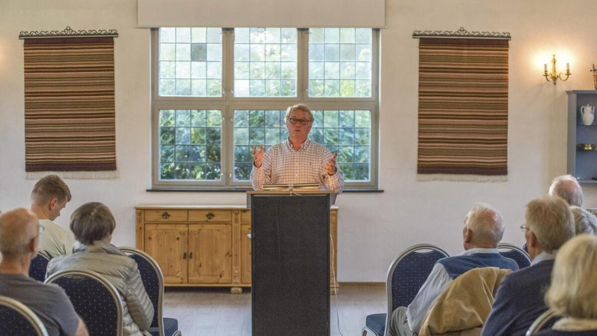 Meir enn 30 personar deltok på stiftingsmøtet onsdag kveld og fekk høyre foredrag av Hallgrim Berg (biletet), bestseljande forfattar og tidlegare stortingsrepresentant for Høgre, og av Jens Jorde, leiar for MIFF Hallingdal.