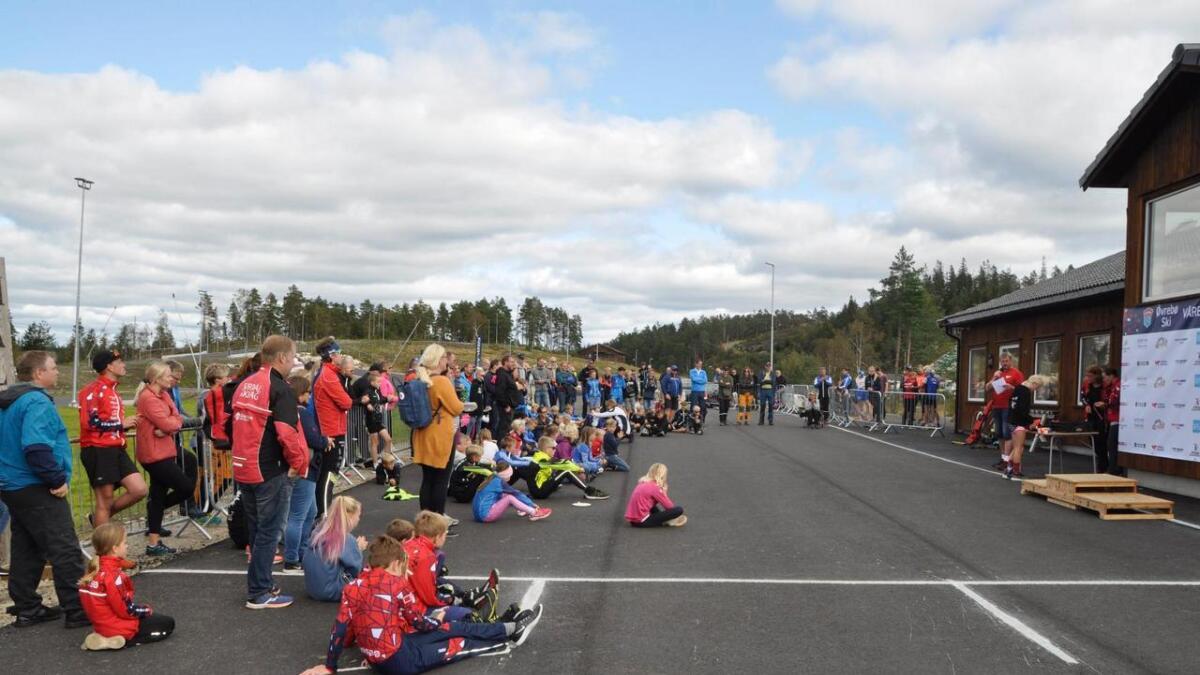 Forrige helg ble det for første gang arrangert et mesterskap på rulleski på Sandripheia. Det var landsdelsmesterskap i rulleskiskyting