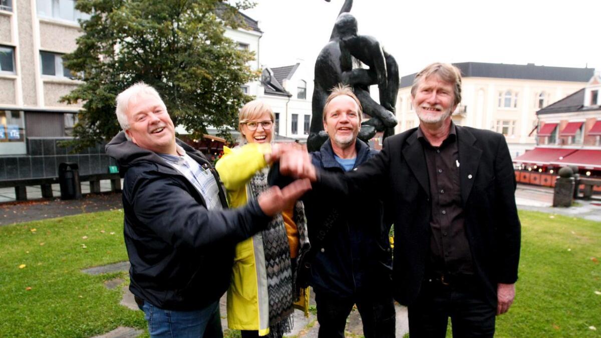 Det blir et fireparti-samarbeid på Notodden de neste fire årene. F.v. Torgeir Bakken (Ap), Cecilie Lerstang (Rødt), Lars Brede Borgen (MDG) og Odd Hansen (Sp).