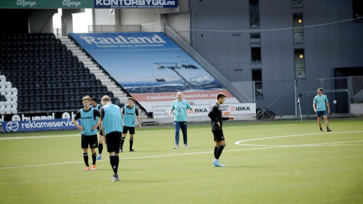 Odd-trener Dag-Eilev Fagermo forventer at Molde kommer til å prioritere europacupspill og er derfor spent på hva slags lag de kommer til å mønstre i søndagens kamp.