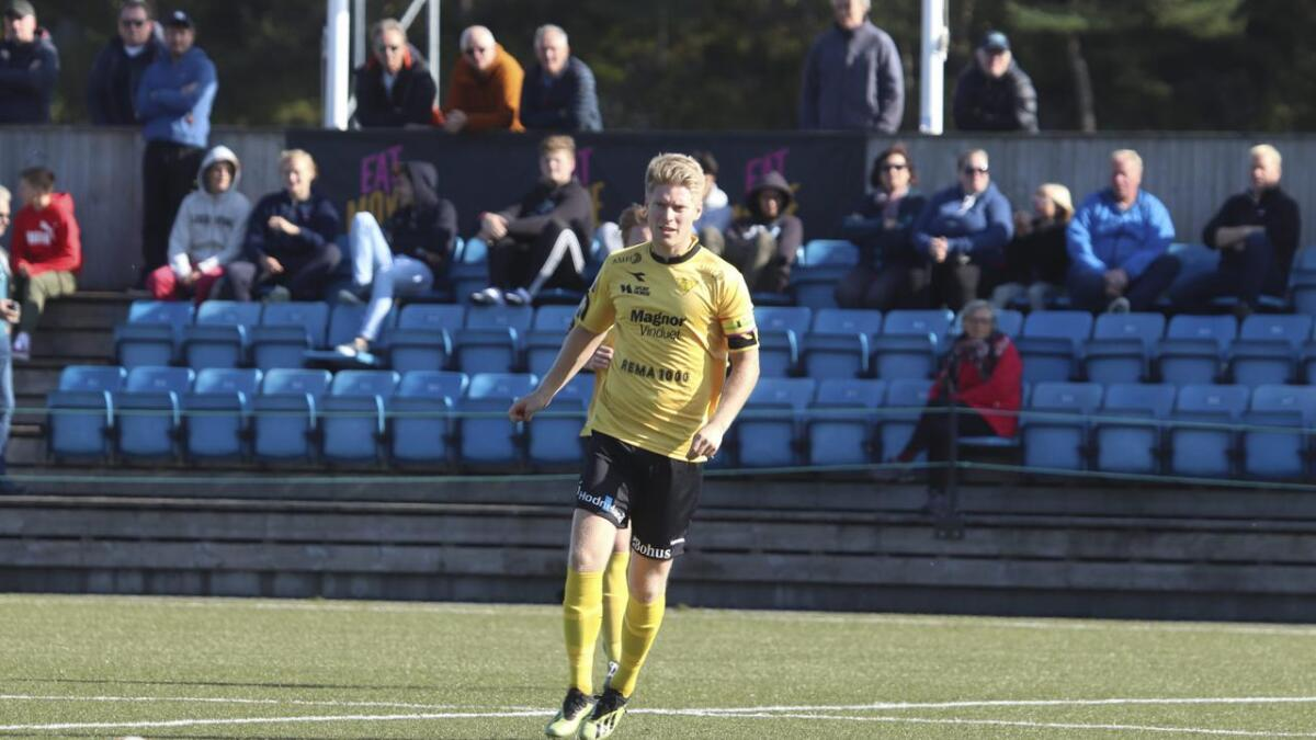 Kaptein Marius Mikkelsen styrte laget frå midtbanen, og fekk sjå mykje til ballen i kampen mot Valdres.