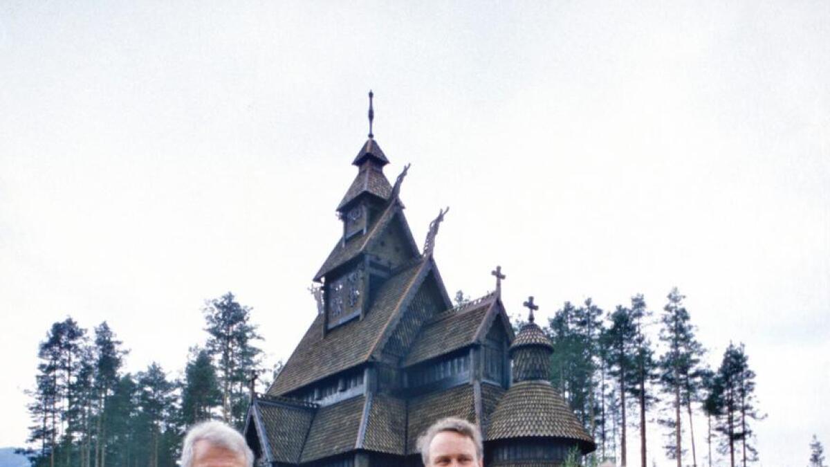 Det var stor stas då Gol stavkyrkje vart vigsla 10. juni 1994. På biletet biskop Sigurd Osberg, prinsesse Ragnhild fru Lorentzen, Torbjørn Rustberggard og kyrkjeminister Gudmund Hernes.