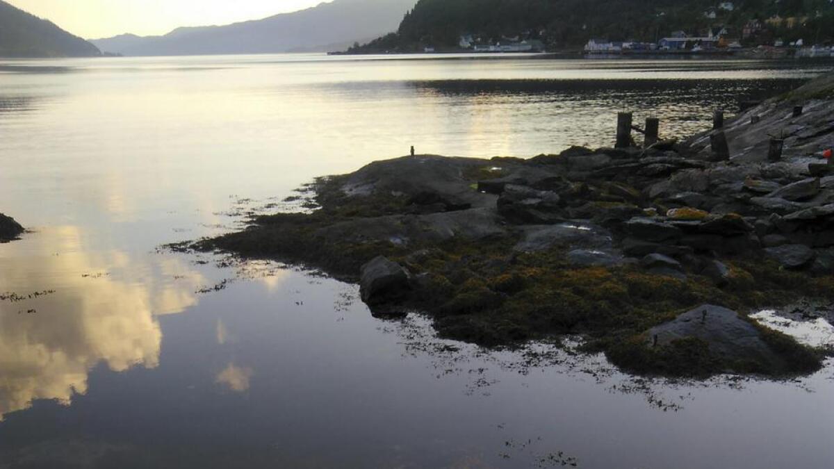 Her kunne båter få landfeste mens varer fra Eikelandsosen og Koldalselva, trolig trevirke, ble lastet om bord i fartøyene. Høyst sannsynlig vil det også ligge «ballaststein» i sjøen utenfor.