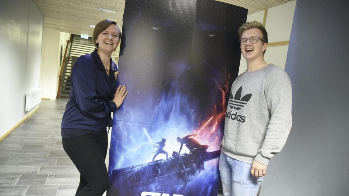 Anita Myhre og Steffen Sortland er songsolistar når Bømlo Janitsjar inviterer til konsert med filmmusikk fredag kveld. Her blir mellom anna musikk frå Star Wars. Den siste Star Wars-filmen har elles noregspremiere 18. desember