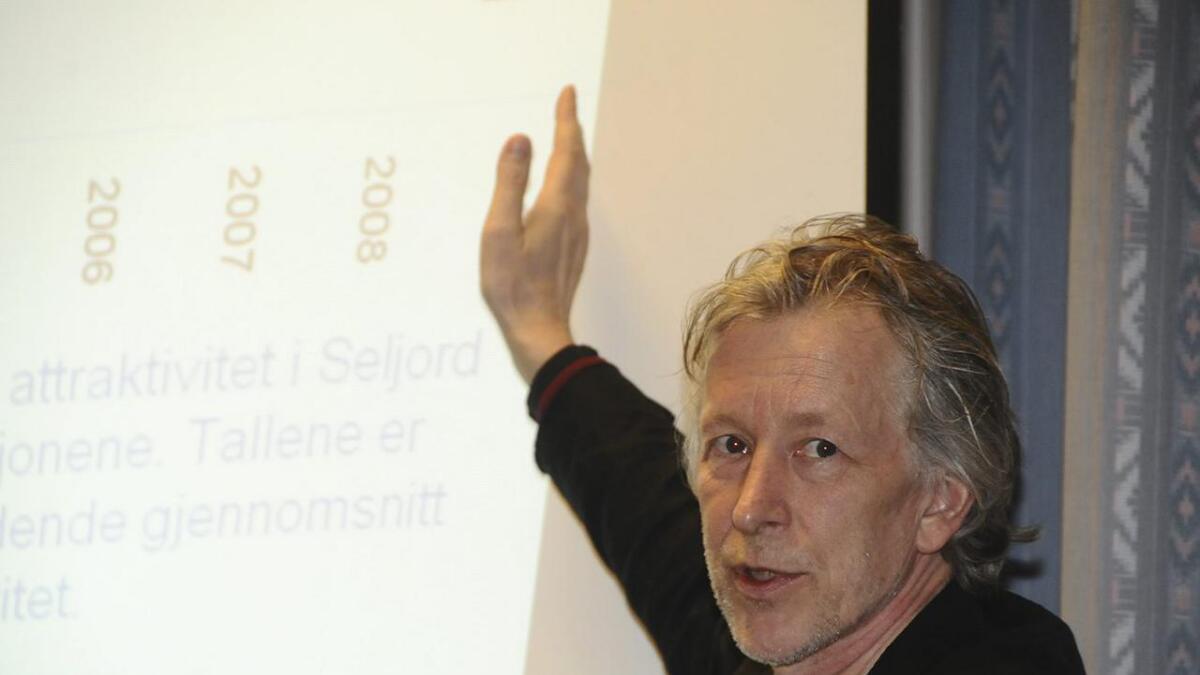 Knut Vareide forskar på regional utvikling og seier kommunane får meir konkurranse med kortare pendlarveg. Arkiv