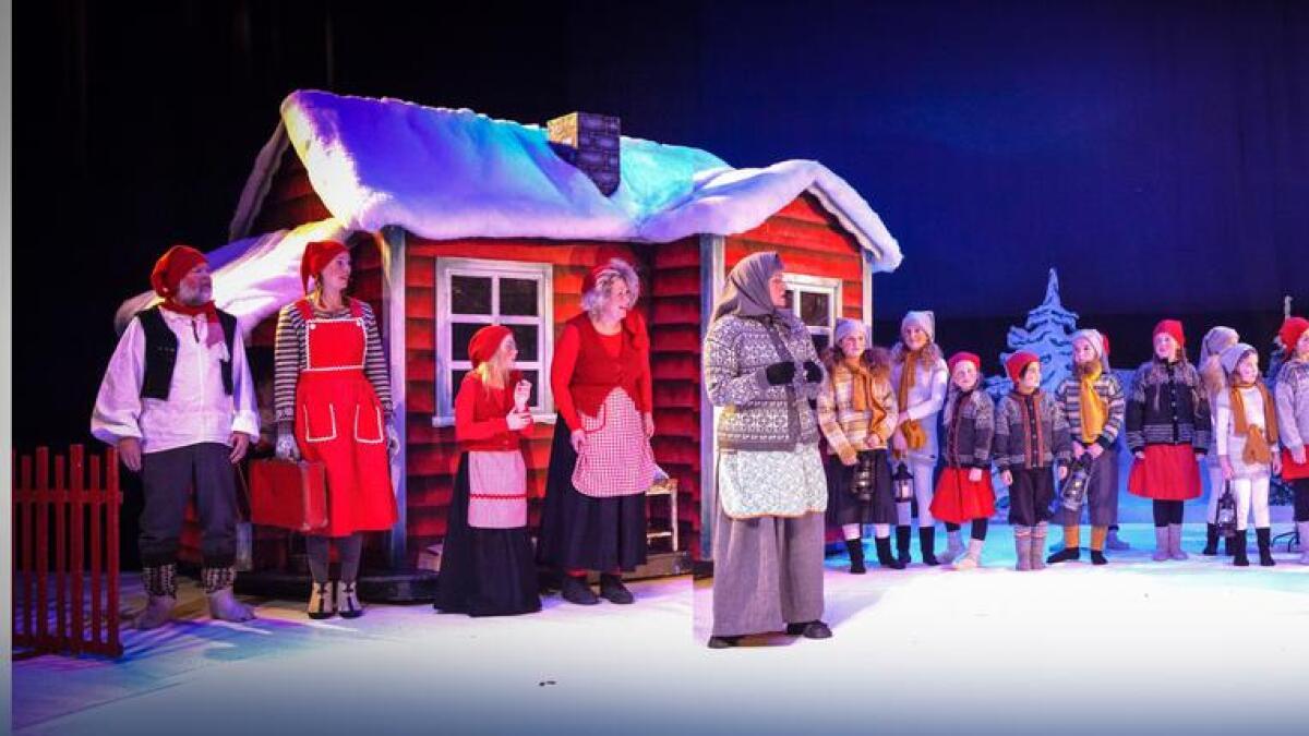 er ei tradisjonsrik oppsetting som set bømlingane i den rette julestemninga. Teaterstykket vert sett opp både på Svortland og på Langevåg.