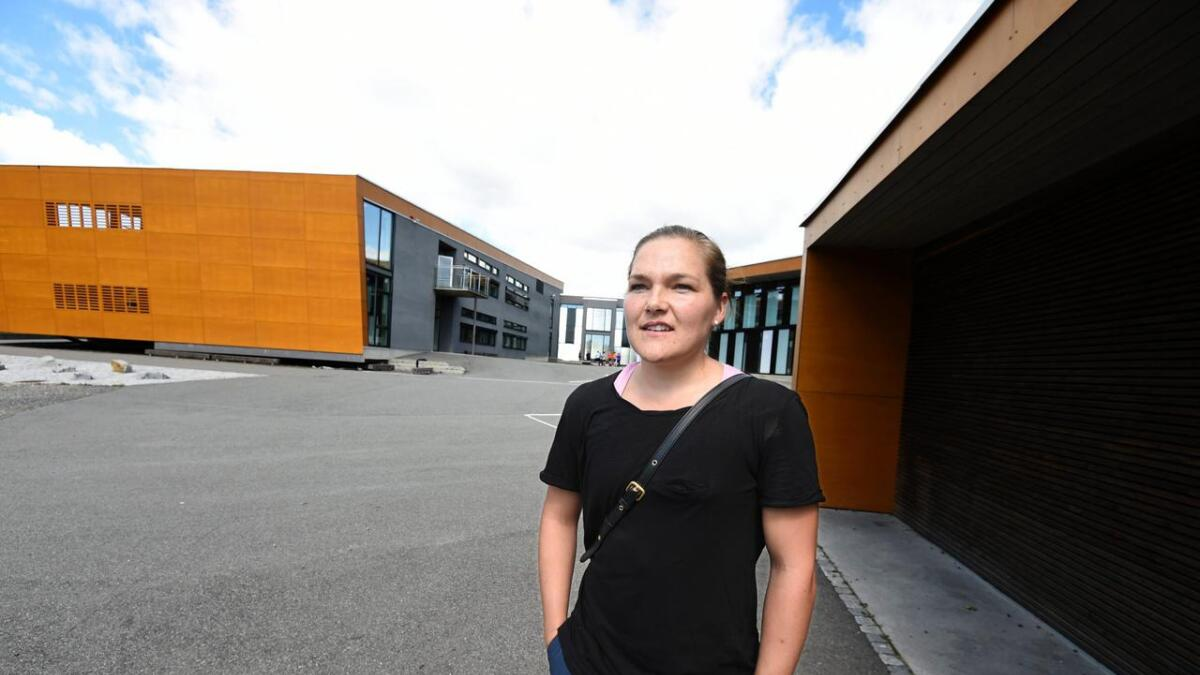 Guro Horten Solberg ønsker seg bedre informasjon om bakgrunnen for pennalforbudet på Heistad barneskole.