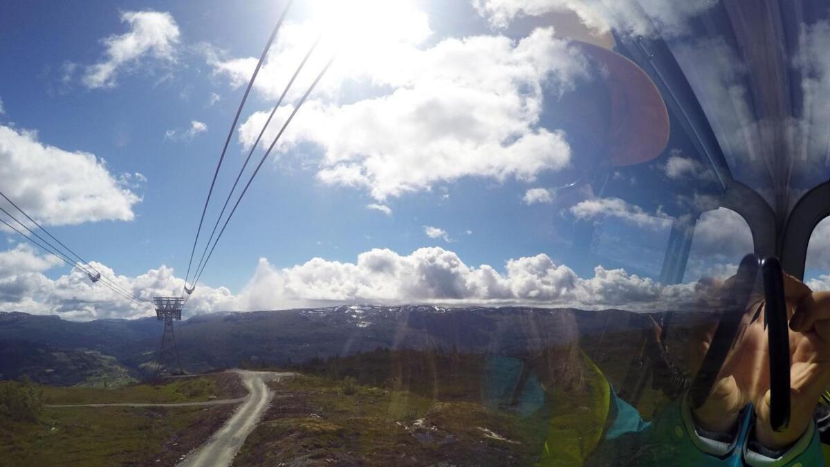 Hordaland sender direkte frå gondol-opninga onsdag klokka 09.55. Biletet er frå prøveturen til Hordaland for litt sidan.