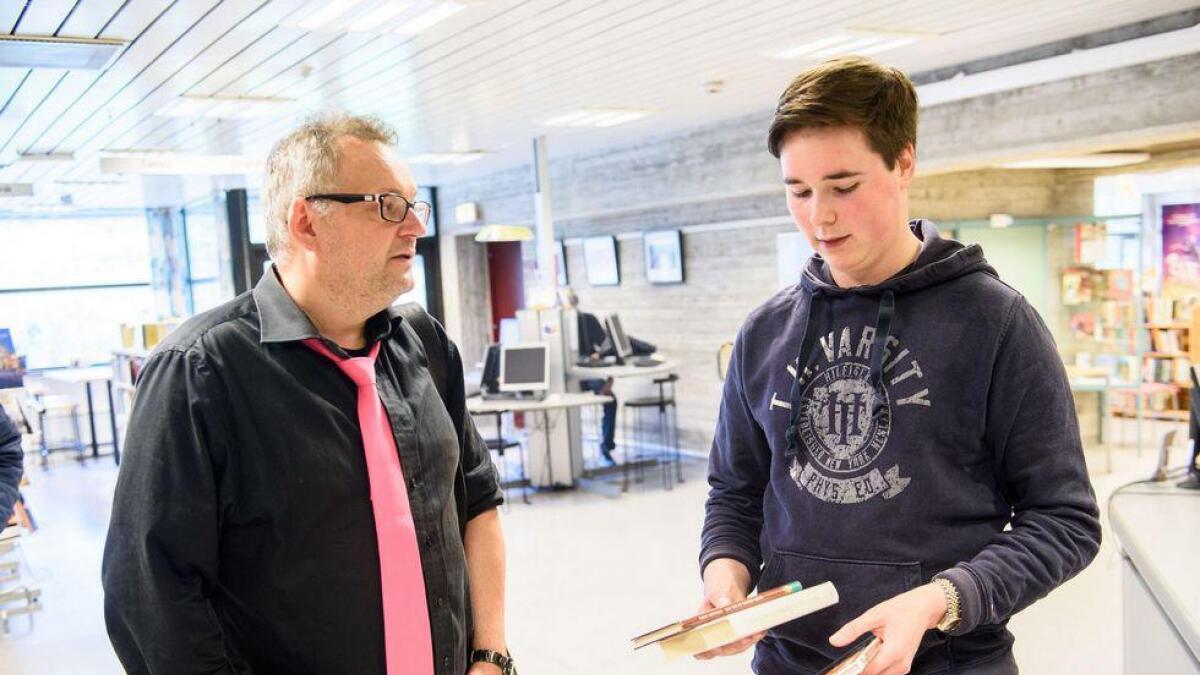 Bjørn Sortland står bak kortfilmen «Julie (15)». Her er han saman ein fan under Falturiltu i fjor.